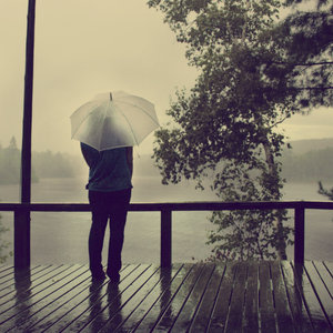 di-bawah-hujan1
